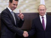 Putin Suriye'ye yaptığı sürpriz ziyarette Esad ile görüştü