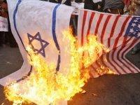 Kıbrıs ABD Büyükelçiliği önünde protesto