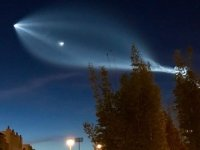 SpaceX roketi gökyüzünde ilginç görüntüler oluşturdu