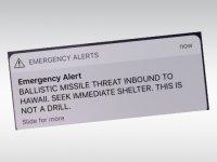 Hawaii'de yanlış nükleer füze alarmı paniğe yol açtı