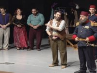 "İstibdad Kumpanyası"" Mağusa'da sahnelendi"