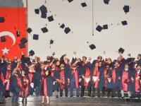 YDÜ'nün genç mimarları diplomalarını aldı