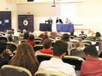 """LAÜ'de """"Popülizmin Yükselişi"""" ele alındı"""