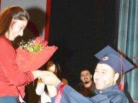 Mezuniyet Töreni'ne Sürpriz Evlilik Teklif Damgasını Vurdu