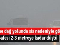 Girne dağ yolunda sis nedeniyle görüş mesafesi 2-3 metreye kadar düştü