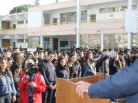Eğitim ve Kültür Bakanı Cemal Özyiğit, Haydarpaşa Ticaret Lisesi'ni ziyaret etti