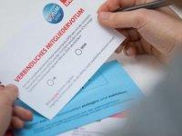 Almanya'da SPD üyeleri koalisyon sözleşmesini oyluyor