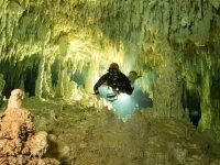 Dünyanın en büyük sualtı mağarasında Maya kalıntıları bulundu
