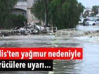 Sürücüler dikkat! Yoğun yağış, Girne - Değirmenlik yolunda toprak kaymasına neden oldu!