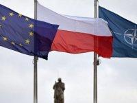 """AP'den """"Polonya'nın oy hakkı elinden alınsın"""" çağrısı"""