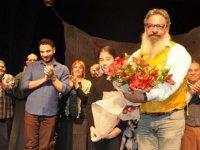 """8. Beşparmaklar Tiyatro Festivali'nde """" Nor Betmez"""" oyunu sahnelendi"""