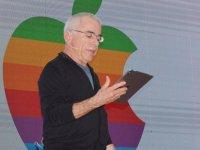 DAÜ 6. Uluslararası Kariyer Haftası Apple logosunun tasarımcısı Rob Janoff'un sunumu ile başladı