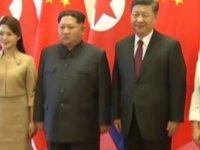 Kuzey Kore lideri Kim Jong-un Çin'i eşi ile birlikte ziyaret etti.