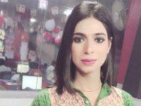 Pakistan'ın ilk trans haber sunucusu işe başladı