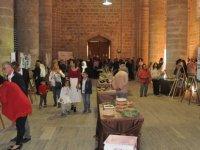 MGA Kadın El Sanatları Atölyesi'nde üretilenler Buğday Camii'nde sergileniyor