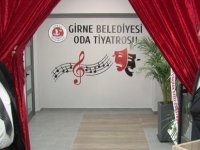 """""""Girne Belediyesi Oda Tiyatrosu"""" dün akşam açıldı"""