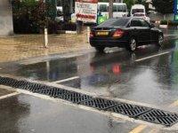 Girne'de Ecevit Caddesi'nin yağmur suyu hattı yenilendi