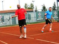 Open 2014'de Tenis resitali sürüyor