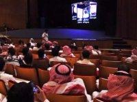 Suudi Arabistan'da 35 yıllık yasağın ardından ilk sinema salonu açıldı