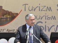 Akıncı, Girne'de gerçekleşen Turizm Şöleni'ne katıldı