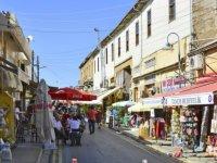 TL değer kaybedince Kıbrıslı Rumların KKTC'deki alışverişlerini arttı