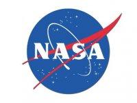 'NASA çalışanı dolandırıcılar 'uzay giysileriyle' kameralar önünde