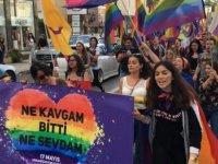 """Lefkoşa Sokakları Bir Kez Daha Yankılandı: """"Eşcinseller Vardır"""""""
