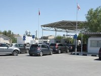 """""""TL'nin değer kaybetmesinin Kıbrıslı Türkleri Güney Kıbrıs'a yöneltti"""""""