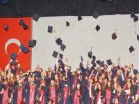 YDÜ Eczacılık Fakültesi Mezuniyet Töreni Gerçekleştirildi