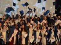 DAÜ Eczacılık Fakültesi mezunları yemin etti