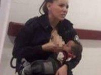 Arjantin'de bir kadın polisin aç kalan bebeği emzirmesi herkesi duygulandırdı