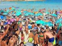 İlk 7 ayda turist sayısında yüzde 9,6 artış var