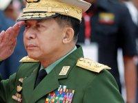 Facebook'tan Myanmar ordusu Başkomutanı'na yasak