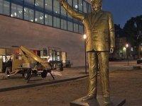 Almanlar, devasa Erdoğan heykelinin şokunda