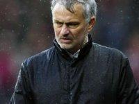 Mourinho'nun üzerinde kara bulutlar dolaşıyor
