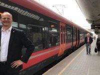 Norveçli bakan, doktor eşinin kariyeri için istifa etti