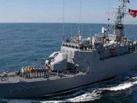 Rum trol gemisine Türk savaş gemisinden  taciz iddiası