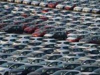 Türkiye'de otomobil satışları temmuzda yarı yarıya düştü