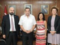Denktaş, Türkiye Yeşilay Cemiyeti ile Kıbrıs Yeşilay Derneği heyeti ile biraraya geldi