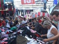 Yunanlar ve Bulgarlar alışveriş için Edirne'ye aktı