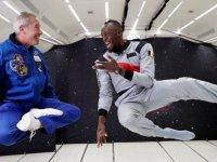 Yerçekimsiz ortam Bolt'un aklını başından aldı (video)