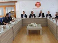 Bozkır, KKTC'yi yurt dışında temsil eden milletvekilleriyle görüştü