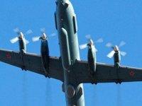 14 asker taşıyan askeri uçak denizde radardan kayboldu