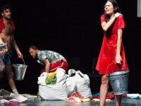 """16. Kıbrıs Tiyatro Festivalinde dün akşam """"Seni Seviyorum Türkiye"""" oyunu sahnelendi"""