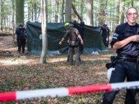 Hambach ormanındaki operasyon esnasında bir kişi öldü