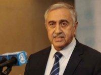 Akıncı'nın Ercan'da yaptığı açıklamalar Rum basınında