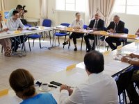 Bazı Kıbrıslı Türk ve Rum Siyasi Parti Temsilcileri Ledra Palas'ta biraraya geldi