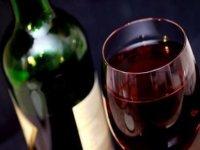 İran'da 10 kişi kaçak içkiden zehirlenerek öldü