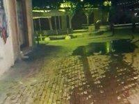 Arasta'da sabotaj; Yağmur suyu ızgaralarına yağ döküldü