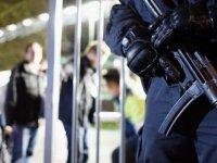 Hollanda'da cihatçı hücresine sızan polisler,  operasyon sonucunda saldırıyı önledi